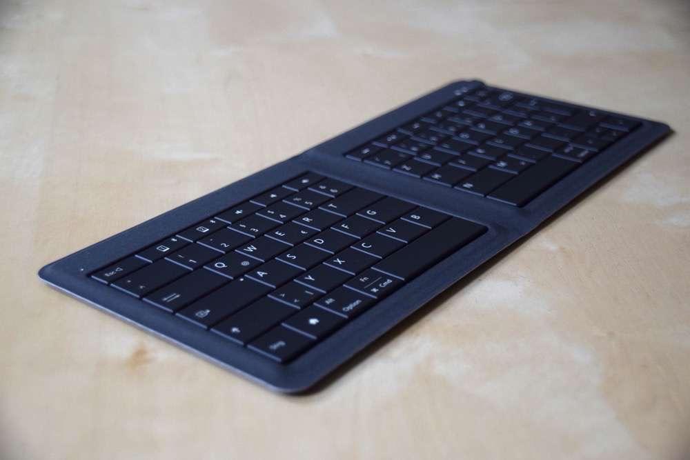 Microsoft_Universal_Foldable_Keyboard_02